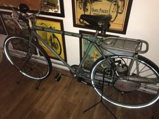Victoria - Auxiliary engine - on Steyr military bicycle - circa 1948