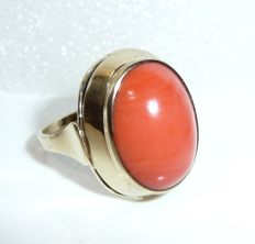 Antique ring 8 kt. / 333 gold with approx. 4 ct Mediterranean coral, ring size 57 / 18.1 mm - adjustable **no reserve price**
