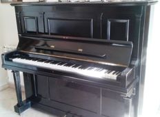 Upright piano, branded Anelli of Cremona/Italy, model 13, serial number 8397, produced between 1930 and 1940