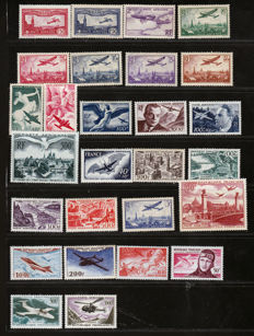 France 1930/1999 - Collection of Airmail stamps - Yvert Airmail between 5 and 63 Postage Due n° 2, 3, 4, 5