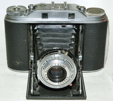 AGFA Isolettes and Jsolettes, 17 different cameras