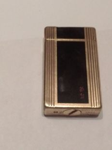 ST Dupont Paris lighter - gold plated, Chinese lacquer