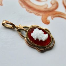 Victorian Camee shell pendant, fine handarbeid, approx. 32mm in perfect state.