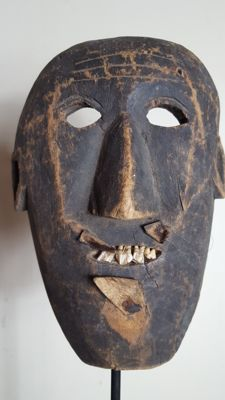 Old wooden mask with true teeth - NEPAL