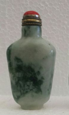 Chinese hard stone / jade snuff bottle - 21st century