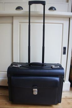 Claymore leather pilots suitcase / trolley