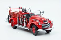 Road Signature - Scale 1/24 - GMC Fire Truck 1941  - Red