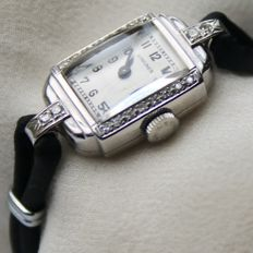 Art Deco Longines women's watch, platinum with old European cut diamonds E / VVS1 and G/VS ( excellent condition) circa 1920-1940