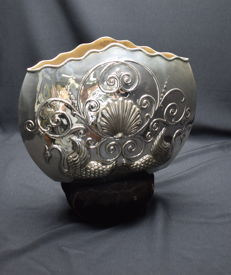 Solid Silver Shell shape  vase  ,  International hallmarked 900