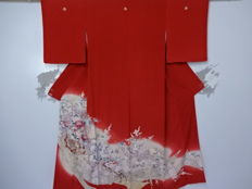 A beautiful irotomesode kimono with hanakuruma patterns - Japan - Late 20th century