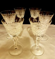 Saint Louis, Set of 6 glasses in diamond-tipped cut and etched crystal
