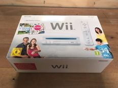 Nintendo Wii Original in box with remotes
