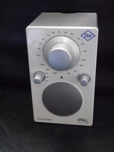 iPAL Tivoli radio with FM and AM and connection possibilities for eg. MP3