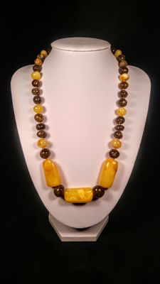 Vintage 100% Natural Baltic Amber necklace with old egg yolk colour pendant, length 52 cm, 38 grams
