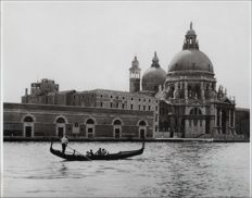 Unknown/Hulton Archive - Gondola and Santa Maria della Salute, Venice, 1965