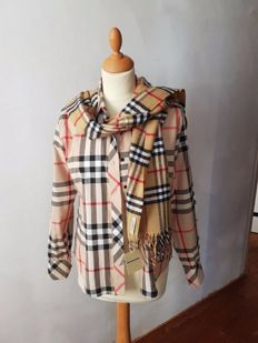 Burberry shawl & blouse, orgineel, Made in Great Britain