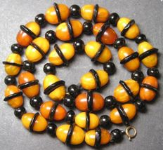Antique Baltic amber & jet necklace with gold clasp, 100% natural - 17 g, circa 1930