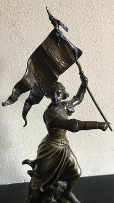 Adrien Etienne Gaudez (1845-1902) - Bronze sculpture of Joan of Arc with flag - France - circa 1890