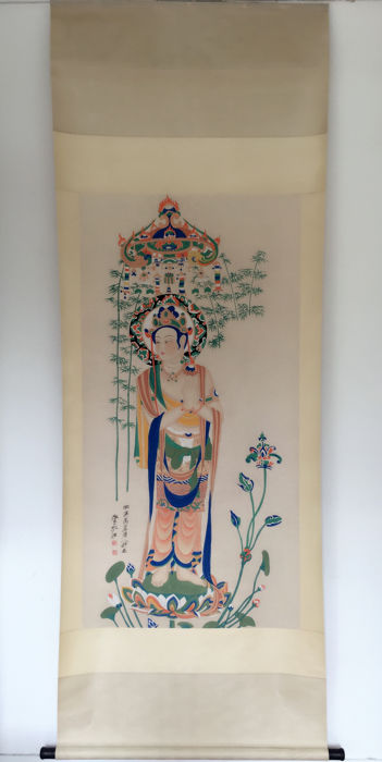 Hand painted large scroll painting after Zhang Daqian -《张大千-敦煌佛像》 - China - late 20th century