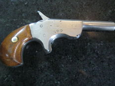 Belgium single shot Deringer pistol, beautifully engineered