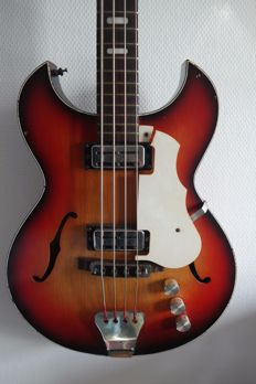 Vintage bass guitar - Egmond/Cameo Artist Colorado bass - 21010023 - The Netherlands - 1968