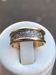 18 kt gold ring with diamonds; size 52 / 16.52 mm
