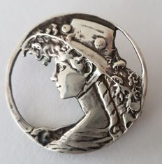 Silver brooch, marked Z II, portrait of a lady