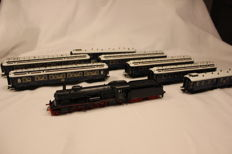 Märklin H0 - 37117/42795/42796 - 8-piece Orient Express with steam locomotive with tender BR 18.1 and 7 carriages