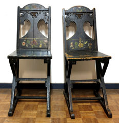 Set of Arts & Crafts hallway chairs with painting and and carving of horse heads in the back - C. 1880 - England