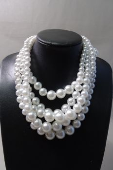 Kenneth Jay Lane - 5 row faux pearl necklace - 153 gram - 43,5 / 48 cm