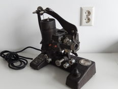 Bell & Howell FilmO model 129B - projector