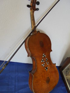 Antique master violin with violin bow by Johann Keller with an inside label from Markneukirchen, Germany