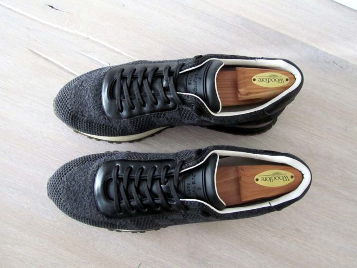 fdde7f4d1af6 Louis Vuitton – Runaway Trainers – Like new - Catawiki