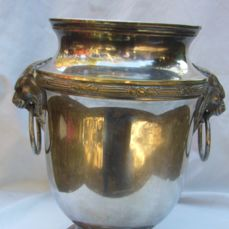Champagne cooler with 2 lion head handles, silver-plated
