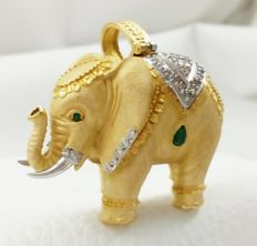 Spectacular elephant - Yellow and white gold - Emeralds - 33 g -  Free, insured shipping