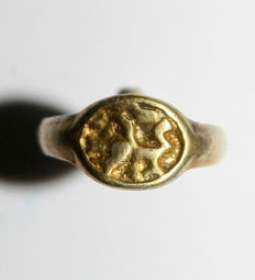 Early medieval Gold -Silver ring of the Viking, decorated with animals - 20 mm