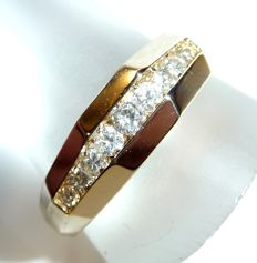 Large ring of size 68 / 21.6 mm made of 14 kt / 585 gold, 9 diamonds totalling 0.65 ct