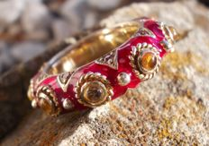 Michele Della Valle, red enamelled 18ct gold ring - UK size K 1/2 - L or 16.4 mm inner band size