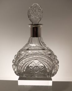 Liqueur decanter in cut crystal with solid silver neck, Germany, first half of the 20th century