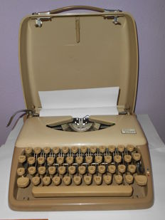 "Triumph- model ""Tippa"" Portable typewriters 50-60s"