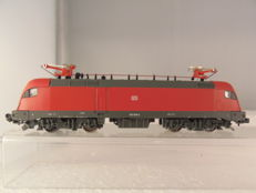 "Hobbytrain N - 219670 - Series BR 182 ´""Taurus"" in red livery of the DB"