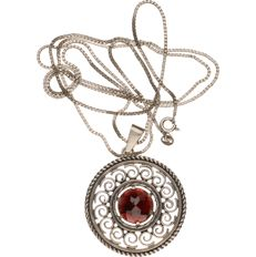 835/1000 silver necklace with a pendant set with glass garnet - Necklace length: 80 cm - Pendant diameter: 36.38 mm