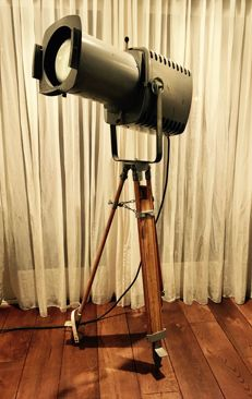 Strand Electric - Patt 253, theatre spotlight on wooden tripod