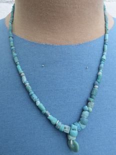 Roman Empire - Necklace with blue iridescent glass beads - 45 cm + 2 cm