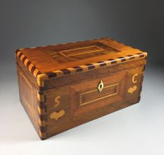 Fruit wood wedding box with marquetry and initials - France - 18th century