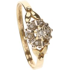 14 kt Yellow gold ring set with 6 diamonds - Ring size: 18 mm
