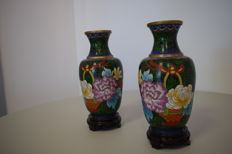 Two Fines Cloisonne Vases - China - late 20th Century