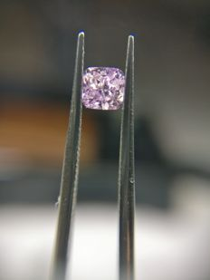 0.18 ct Cushion cut diamond Fancy Intense Pink Purple Even I2