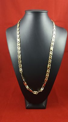 Necklace made of 18 kt yellow gold links No reserve price – Weight: 46.75 g.