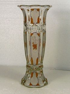 Bohemen - Art Deco vase decorated with naked female figures and floral garlands